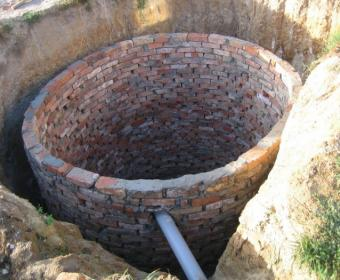 Пример кирпичного канализационного колодца